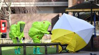 Experts at tent over the bench where where Sergei Skripal and his daughter Yulia were found on 4 March 2018