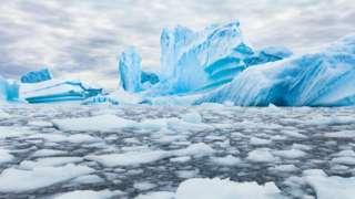 南极蓝色冰川