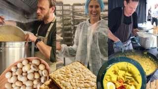 Oliver Laudus, Alexandra Longton dan William Mitchell mencoba berbagai menu tempe.