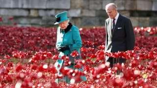 شاهزاده فیلیپ همیشه در کنار ملکه بود