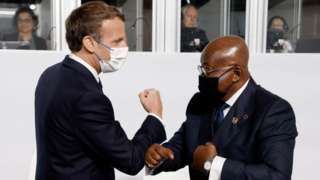 France President Emmanuel Macro dey arm greeting wit Ghana President Nana Akufo-Addo