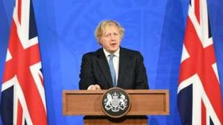 Boris Johnson faz anúncio