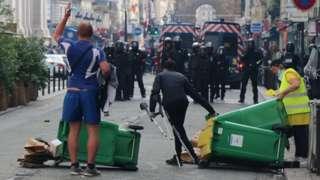 Протест против прививочных сертификатов в Париже
