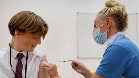 Quinn gets vaccine