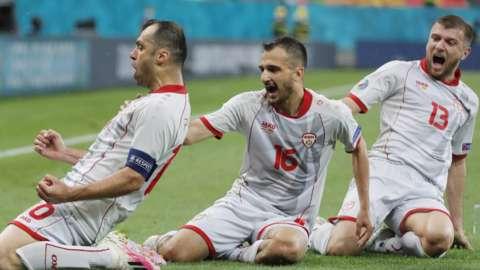 Goran Pandev celebrates