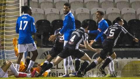 St Mirren v Rangers