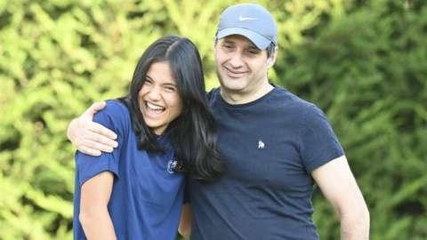 Ian Raducanu hugs his daughter Emma