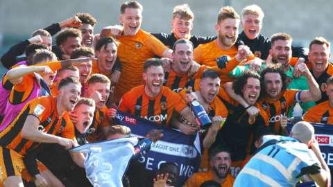 Hull City celebrate promotion