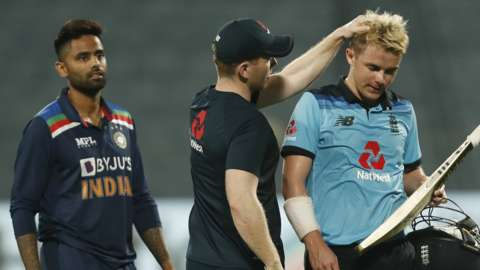 Sam Curran ins consoled by Eoin Morgan