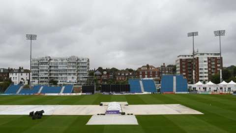 There was more play at Hove than in the four other games combined but the Sussex-Kent match also finally got abandoned at 18:00 BST