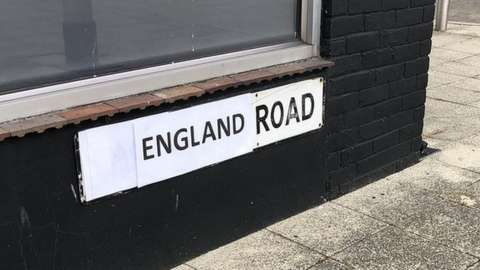 England Road sign