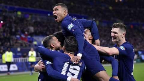 PSG celebrate a goal
