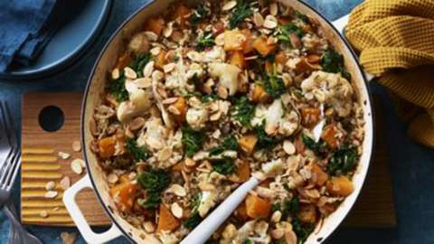 Spiced baked rice with cauliflower and squash