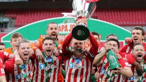Sunderland parade the EFL Trophy