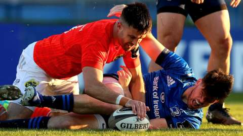 Conor Murray scores a try