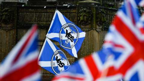 Yes campaign flags and union jacks