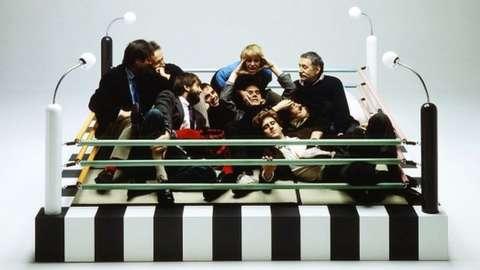 Memphis designers with Masanori Umeda's Tawaraya Bed 1981