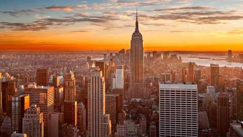 Sunset over the Manhattan skyline