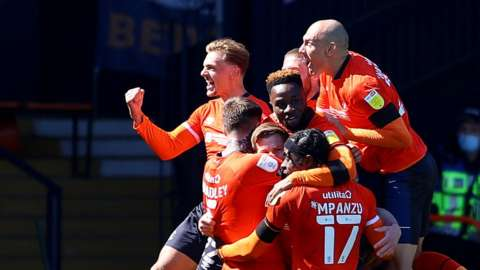Luton Town players celebrate