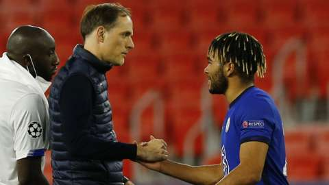 Thomas Tuchel and Reece James shake hands