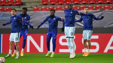 Chelsea warm up before playing in Rennes