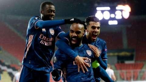 Alexandre Lacazette celebrates goal