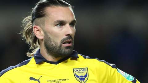 Ricky Holmes on loan at Oxford United in 2018