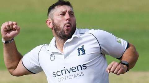 Tim Bresnan, who spent 19 years with Yorkshire, came back to haunt the Tykes on his first red-ball appearance for the Bears at Headingley