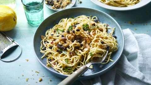 Sicilian pasta con pangrattato