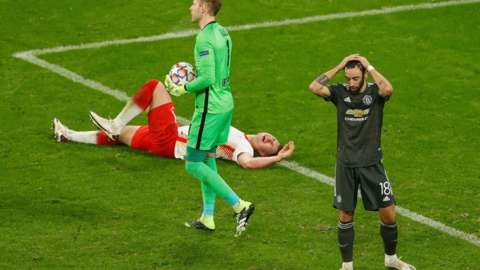 Man Utd look dejected