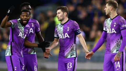 Tottenham players argue during match against Vitesse Arnhem