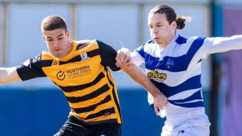 Alloa Athletic scorer Innes Cameron and Greenock Morton counterpart Markus Fjortoft