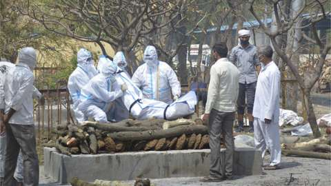 A Covid patient being cremated in Ghaziabad in Uttar Pradesh