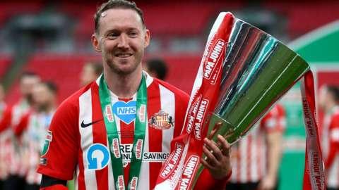 Aiden McGeady helped Sunderland win the Papa John's Trophy