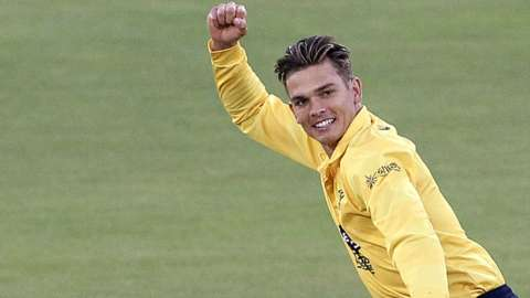 Chris Green in T20 Blast action for Birmingham Bears