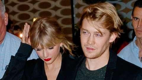 Taylor Swift and Joe Alwyn in October 2019