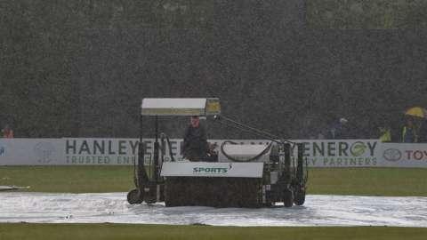 Rain at Stormont