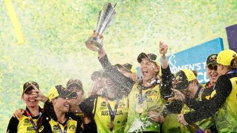 Australian Women's team celebrate winning the T20 World Cup
