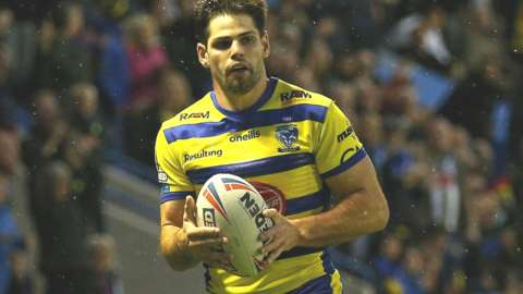 Jake Mamo's two tries took him top of the Super League try scorers' chart on 14