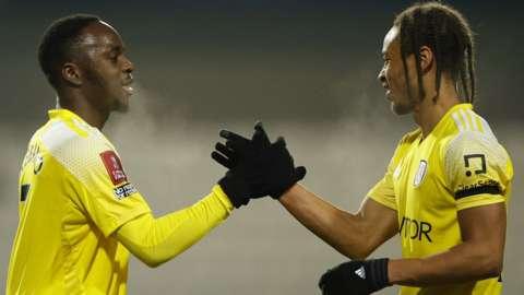 Fulham's Neeskens Kebano celebrates scoring their second goal with teammate Bobby Decordova-Reid
