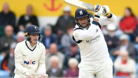 Warwickshire's former Yorkshire and England all-rounder Tim Bresnan followed his perhaps crucial 36 by snaffling three slip catches