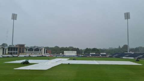 Rain prevents any play at Chester-le-Street between Durham and Nottinghamshire