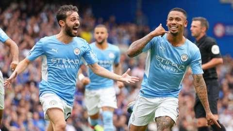 Gabriel Jesus scores for Man City