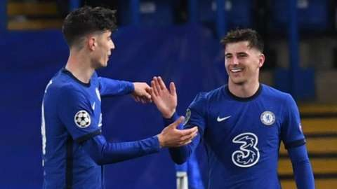 Kai Havertz congratulates Mason Mount after his goal against Real Madrid