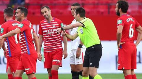 Granada players protest early full-time whistle