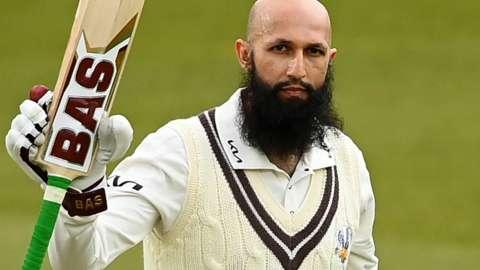 Hashim Amla reaches his double century for Surrey against Hampshire