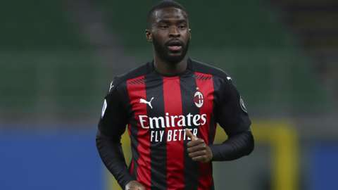 Fikayo Tomori playing for AC Milan