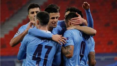 Gabriel Jesus scores for Manchester City