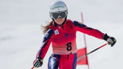 Jasmin Taylor in action at the 2016 steamboat springs fis telemark world cup