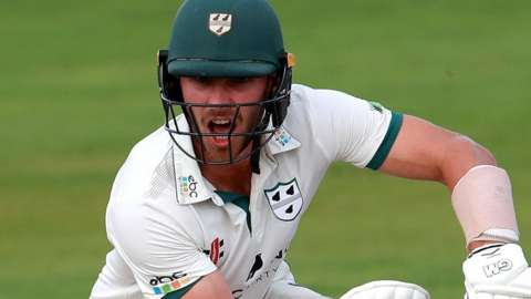 Tom Fell in action for Worcestershire